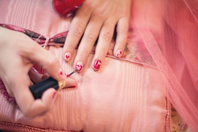 malování na nehty