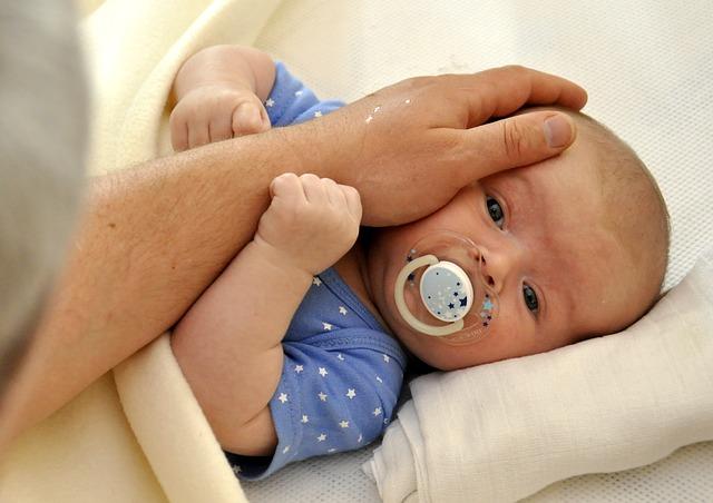 pohlazení miminka