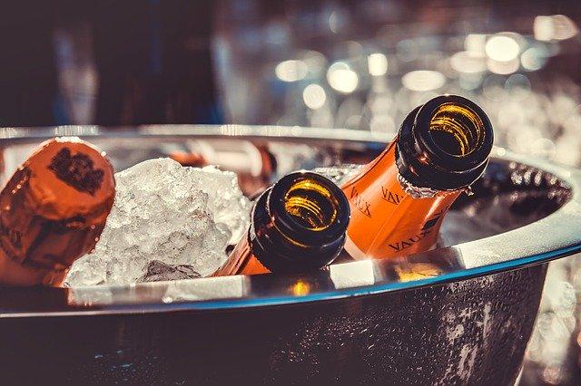 šampaňské v kýbli