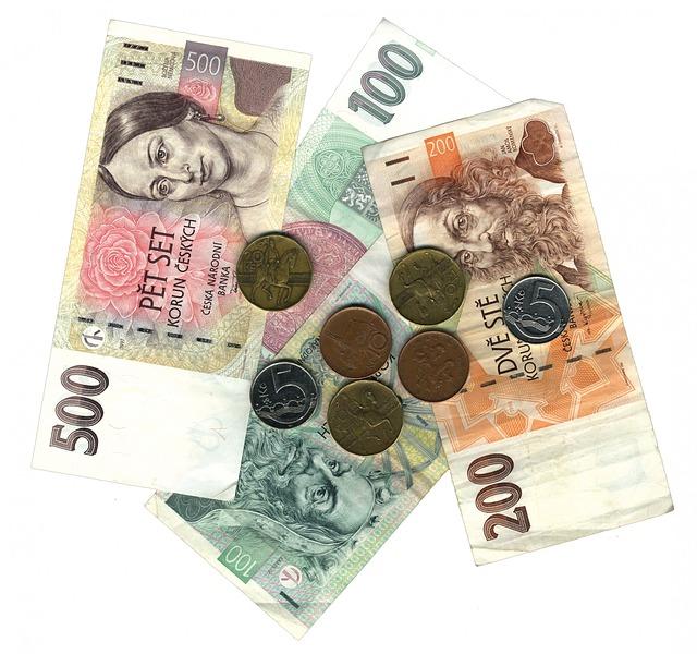 české mince a bankovky