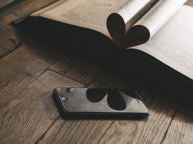 telefon a kniha