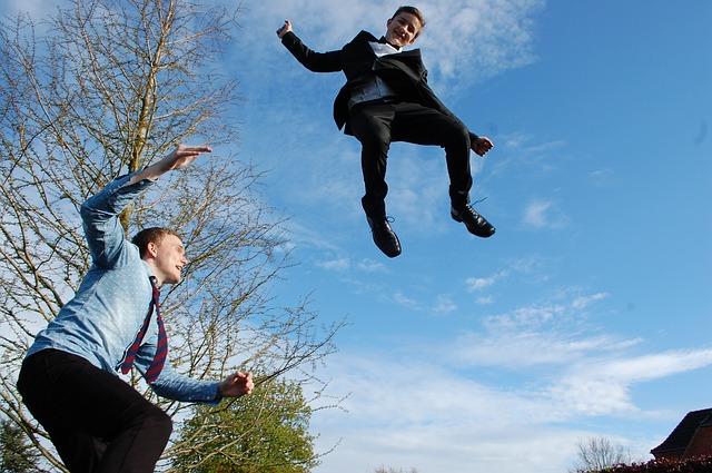 Skákání na trampolíně je nakažlivé