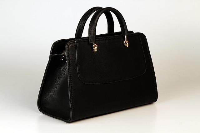 luxusní černá kabelka