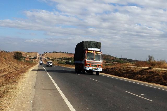 dodávka na silnici