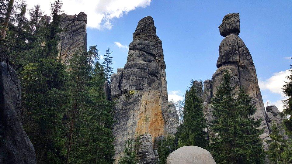 skalní bloky Adršpachu